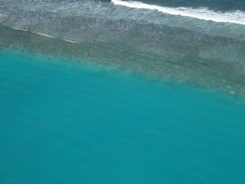 水上飛行機から綺麗な海が見られます