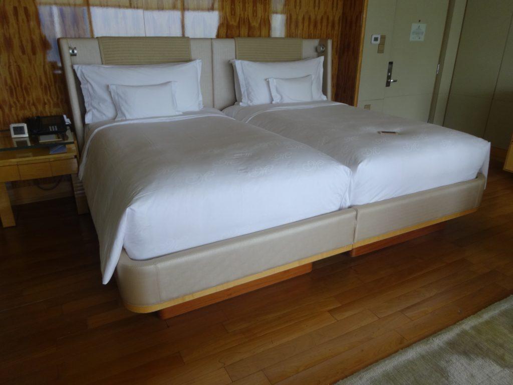 リッツの客室ベッド